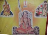 04-45th pattam azhagiyasingar picture inside temple.jpg