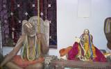 787 - 45th Azhayasingar with 43rd statue.jpg