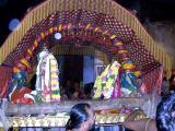 Sri Parthasarthi along with upayanacchiyars starting to Ekkaduthangal.JPG