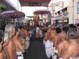 Goshti thodakkam at Garuda sevai (Moondram Thiruvandhadhi.JPG