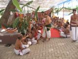 Sri MA VenkatakrishNan svAmi honiouring adhyApakAs .jpg