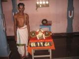 07-Souri DhEkshithar with AzvAr.jpg