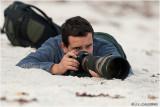Kiko Arcas fotografiando limícolas