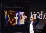 Jeff Bezos announces the 7 and the larger 8.9 Kindle HD
