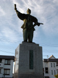 Statue of Ōda Nobunaga outside the station