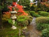 Stone lantern beside a brook, Kenroku-en