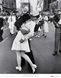 Alfred Eisenstaedt /1898-1995/: The Kiss, 1945