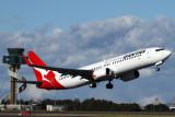 QANTAS BOEING 737 800 SYD RF IMG_3904.jpg