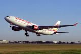 CANADA 3000 AIRBUS A330 200 BNE RF 1490 9.jpg