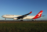QANTAS AIRBUS A330 300 BNE RF IMG_2607.jpg