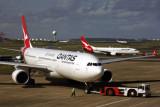 QANTAS AIRBUS A330 300 SYD RF 5K5A7669.jpg