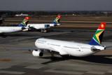 SOUTH AFRICAN AIRCRAFT JNB RF IMG_2986.jpg