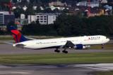 DELTA BOEING 767 400 ZRH RF 5K5A9621.jpg