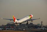 TAP AIR PORTUGAL AIRBUS A330 200 LIS RF 5K5A2198.jpg
