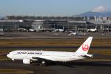 JAPAN AIRLINES BOEING 777 200 HND RF 5K5A4029.jpg