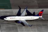 DELTA BOEING 737 800 LAX RF 5K5A4821.jpg