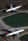 DELTA BOEING 777 200S LAX RF 5K5A4890.jpg
