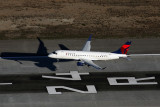 DELTA CONNECTION EMBRAER 175 LAX RF 5K5A4803.jpg