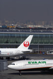 EVA AIR JAPAN AIRLINES AIRCRAFT HND RF 5K5A8364.jpg