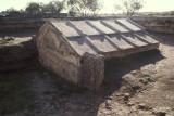Paestum roof of the heroon chamber 093.jpg