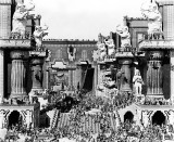 1916 - Intolerance (Belshazzars feast in the central courtyard of Babylon)