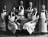 1917 - German butcher and colleagues