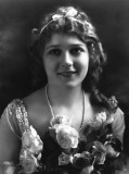 1909 - Mary Pickford appears in her 1st film,  Two Memories