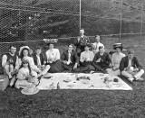 1910 - Picnic