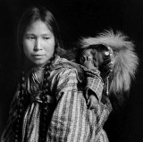c. 1912 - Inuit woman with child