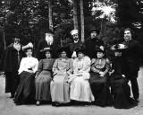 1904 - Repin, Stasov, Andreyev, Gorky, Tarhanov with the ladies