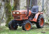 Kubota B7200 4x4 tractor