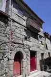 Prédio com os n.ºs 9 a 13 da Rua de D. Sancho, no qual se diz que nasceu o primeiro duque de Bragança (Imóvel de I. Público)