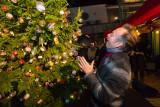 Joris Linssen bij zijn Kerstboom