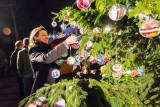 Rond de Joris Linssen'  Kerstboom in Leerdam