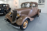 1934 Ford 40 (V-8) Deluxe 5-Window Coupe (1006)
