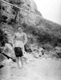 Hervé en 1960 à l'issue du premier rafting du gave de Pau entre Lourdes et Bétharram