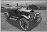 Ford 1920 4-dr Convertible DD 5-27-17 (2) F BW Blur.jpg