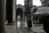 Istanbul at Yavuz Selim Mosque 93 054.jpg