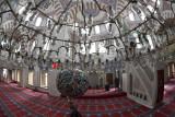 Istanbul Atik Valide Mosque dec 2018 9560.jpg