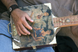 Hector's Guitar, Playing Frida