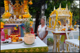 Susanne and a Buddhist altar
