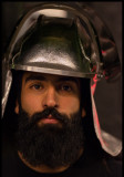 Assistent in heat protection helmet