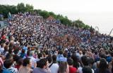 Audience in Kecak-Tanz in Pura Luhur Uluwatu