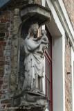 Ezelstraat nr 2 - staande Maria met Kind (foto2)-1.jpeg