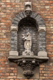 Hoedenmakersstraat 19 - Staande Maria met Kind