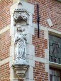 Korte Riddersstraat X Engelsestraat -  Staande Maria met Kind Koningin