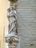 Sint-Walburgastraat 6 X Middelburgstraat - Staande Maria met Kind koningin