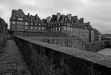 Walking on the walls of Saint-Malo (Feb 2017)
