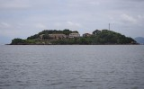 Getting close to the Anhatomirim Fortress island.