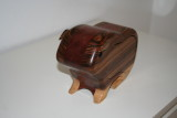 front guinea bandsaw boxpig